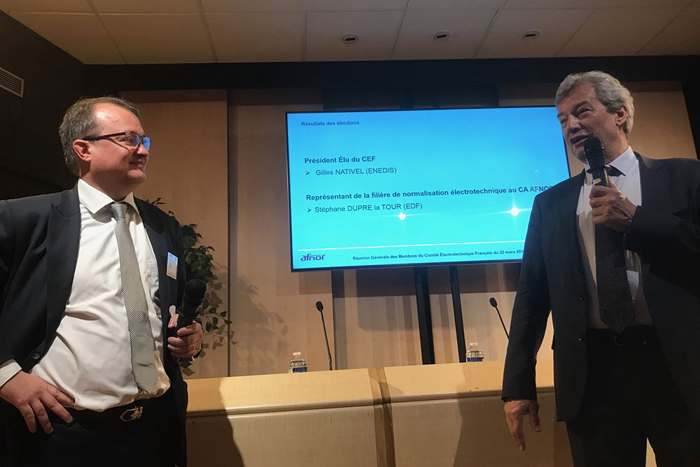 Gilles Nativel, nouveau président du CEF ; à droite, Patrick Bernard, président sortant