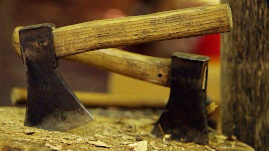 Manches et tourets en bois